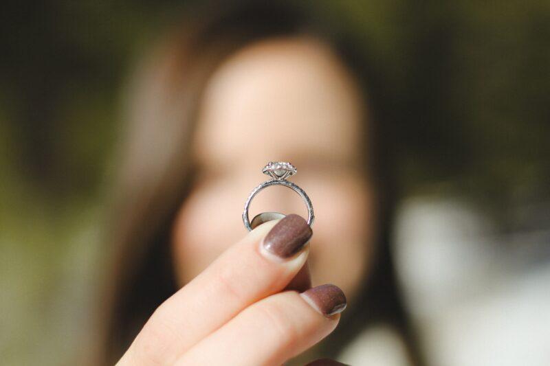 Reasons not to buy diamonds online